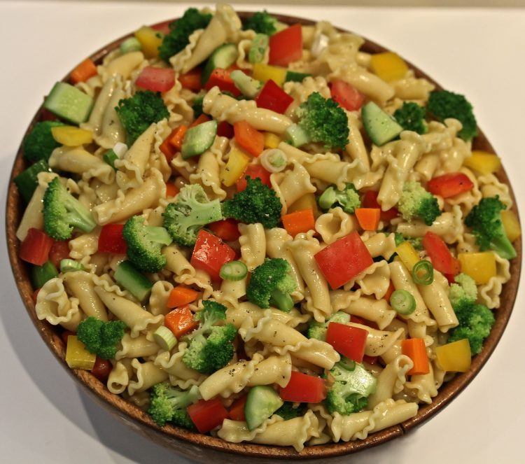 Pasta and Raw Vegetable Salad