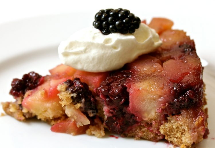 Blackberry and apple upside down cake with whipped cream