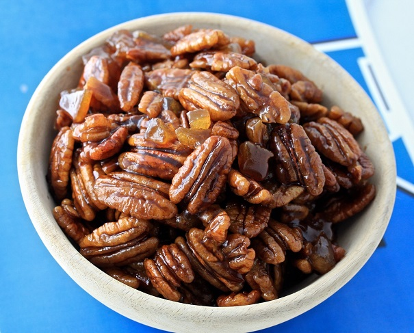 glazed bourbon maple candied pecans bourbon glazed pecans a glaze ...