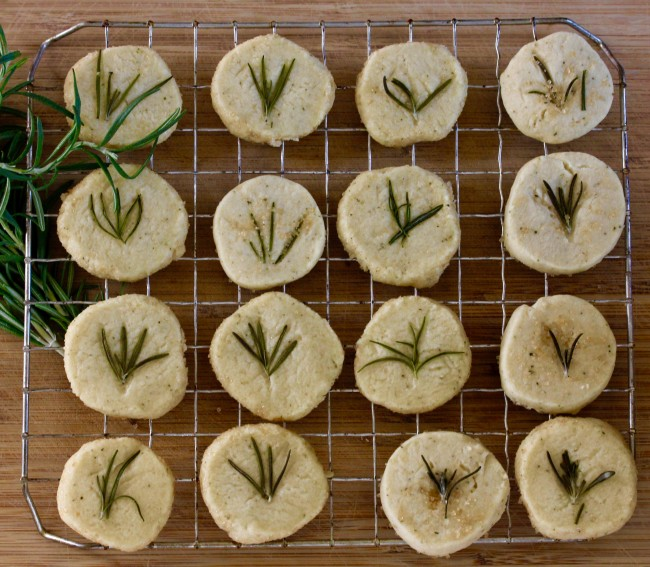 ROSEMARY SHORTBREAD on Americas-Table.com