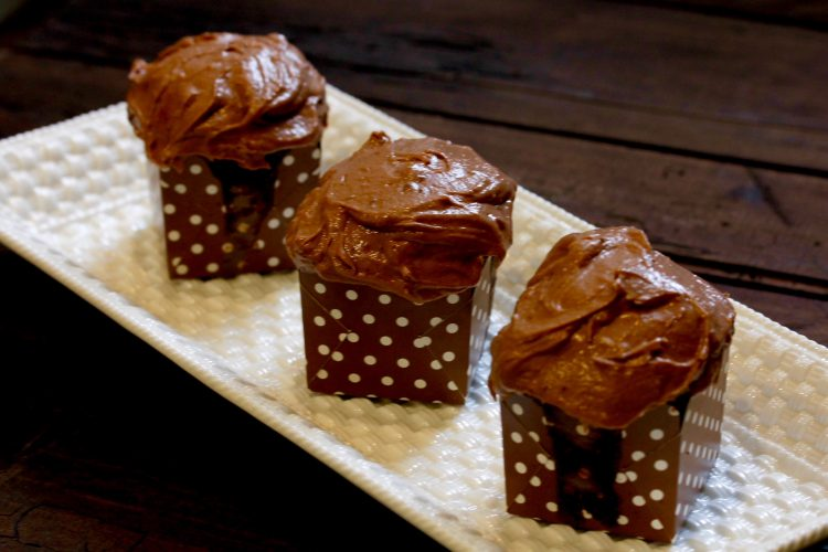 MILK CHOCOLATE CUPCAKES